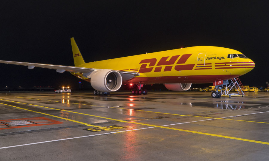 Global delivery firms increase flights to Vietnam amid e-commerce boom